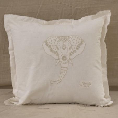 Almohadón Elephant Bordado - 50 x 50 tusor